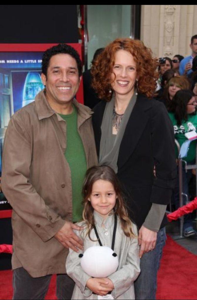 Oscar Nunez's family