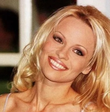 Pamela Anderson's biography