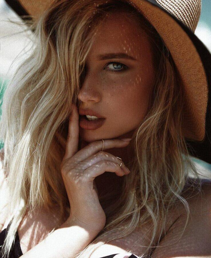 Polina Malinovskaya Bio, Wiki, Age, Height, Biography, Info, Details, Birthday