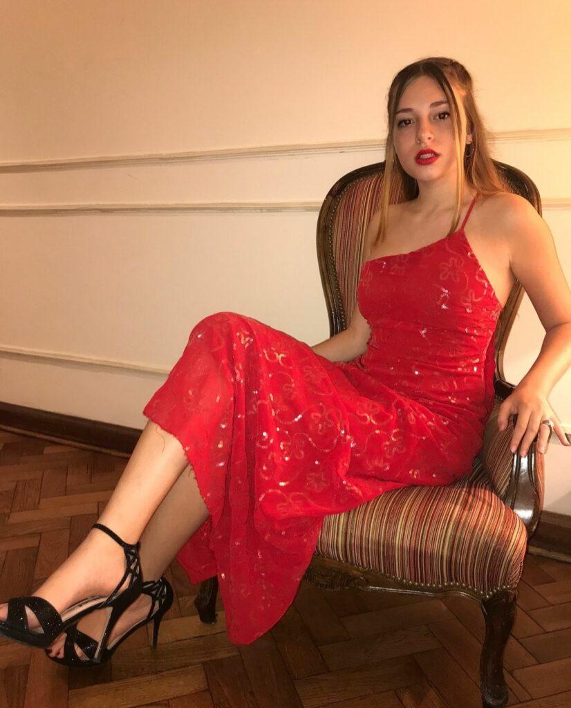 Mariela Vicenzi Bio